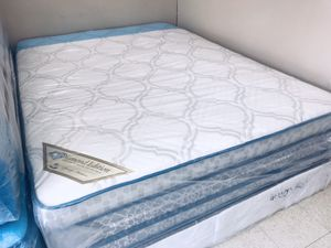 """QUEEN PILLOW TOP ORTHOPEDIC SOFT COMFORTABLE MATTRESS AND BOX SPRING BRAND NEW 13"""" DELIVERY AVAILABLE for Sale in Boston, MA"""