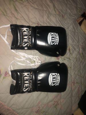 Cleto Reyes 16oZ Sparring Gloves for Sale in Detroit, MI