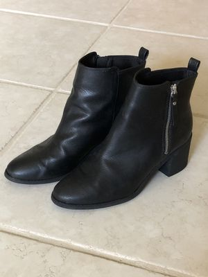 H & M Black Boots, Gently Used, Women's Size 8.5 for Sale in Orlando, FL