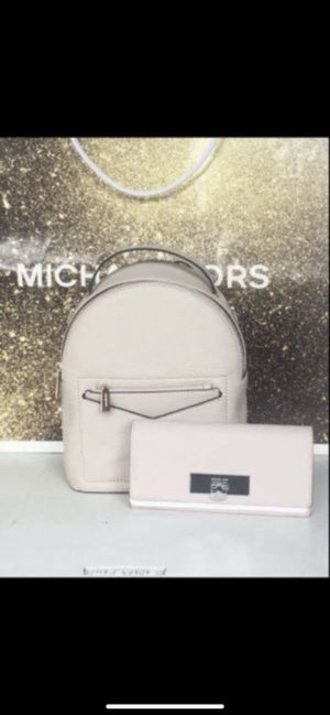 Michael KORS Set 🌹🌷🌹🌷🌹🌷💕 MICHAEL KORS small backpack and large size wallet New with tags attach Serious buyers only please Pick up only Low offe for Sale in Pico Rivera, CA