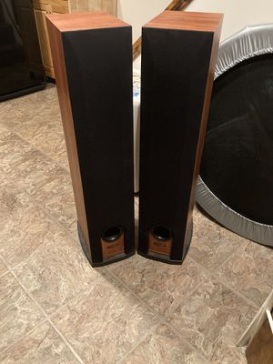 Polk Audio Twin Speakers - Model R50 for Sale in New York, NY
