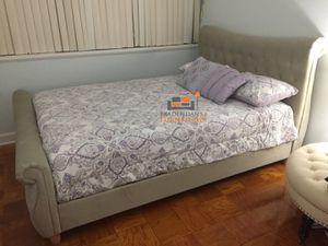 Brand New Queen Size Champagne Suede Tufted Platform Bed Frame ONLY for Sale in Wheaton-Glenmont, MD