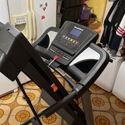 NordicTrack DUALSHOX Treadmill for Sale in Los Angeles,  CA