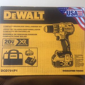 """BRAND NEW DeWALT 20v XR Brushless 1/2"""" Compact Drill/ Driver Kit Includes: XR 5AH Battery, Charger, And Bag for Sale in Philadelphia, PA"""