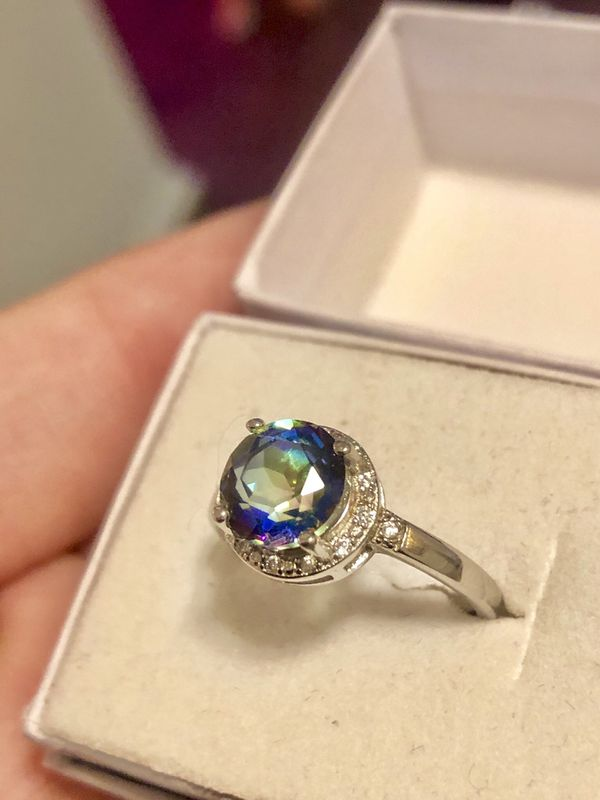 AMAZING 😍😳👌🏼!!! REAL 1.83 Mystic Topaz + White Sapphire Set in 18k white gold plated Solid 925 Silver Ring !!! Size 7.5