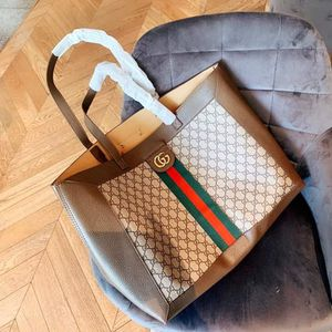 Gucci tote bag for Sale in Beverly Hills, CA