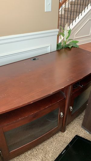 65 in tv stand for Sale in Lithia Springs, GA