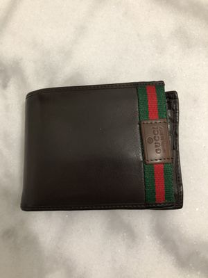 Gucci wallet for Sale in Lake Worth, FL