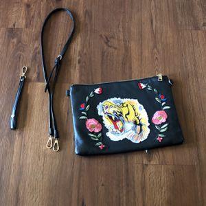 Tiger Cross Body Bag for Sale in Oceanside, CA