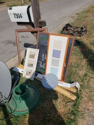 FREE - CURB ALERT (updated pictures) for Sale in Arlington, TX