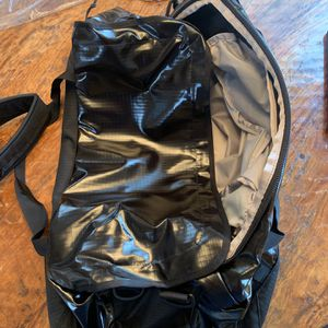 Patagonia Black Hole Duffel 55L - Brand New for Sale in Wilsonville, OR