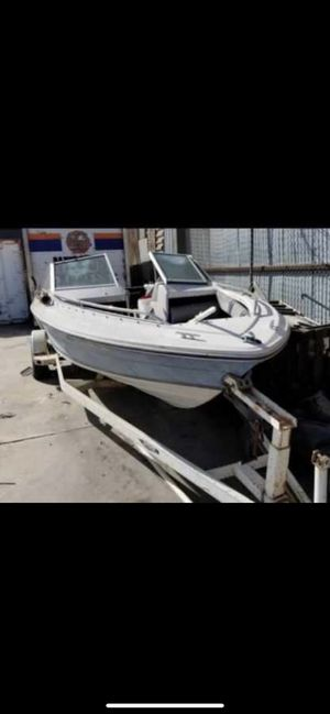 **FREE** WORKING BOAT & TRAILER WITH ALL PAPER WORK MUST PICK UP. for Sale in Los Angeles, CA