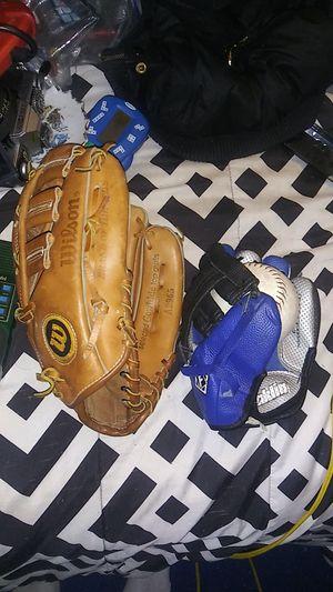 Baseball gloves for Sale in Franklinville, NJ