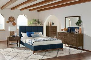 Queen bedrooms set same as picture on sale 🎈🎈🎈🎈$899 for Sale in Fresno, CA