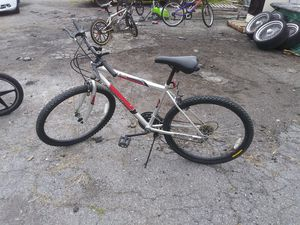 "26"" Roadmaster Mountain bike for Sale in WARRENSVL HTS, OH"