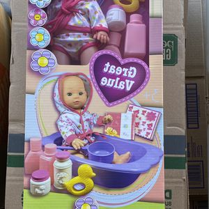 Bath Time Baby Doll for Sale in Hesperia, CA
