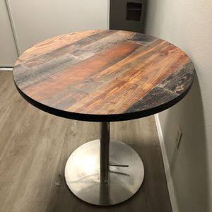 Adjustable Solid Wood Round Table for Sale in Auburn, WA