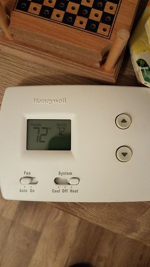 Honeywell Non-Programmable Thermostat for Sale in Columbus, OH