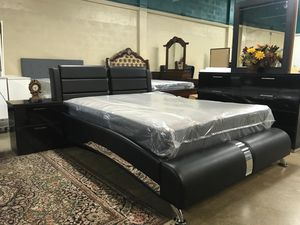 Brand New Queen Bed with Dresser,Mirror, a Nightstand & Mattress. for Sale in Hialeah, FL