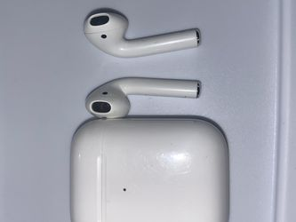 APPLE AIRPOD ( With Charging Case ) for Sale in Bridgeport,  CT