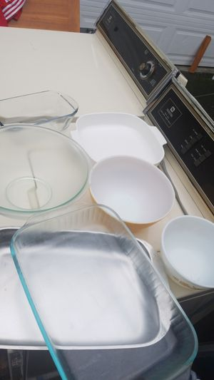 Pyrex and Tin Oven Ware for Sale in Kent, WA