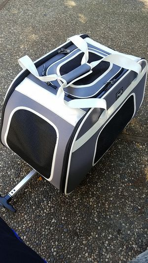 Selling sturdy foldable Pet carrier/ Stroller for Sale in Redwood City, CA