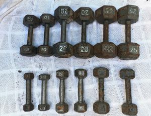 USED SET OF DUMBBELLS : 3s. 5s. 8s. 10s. 20s. 25s. for Sale in Deerfield Beach, FL