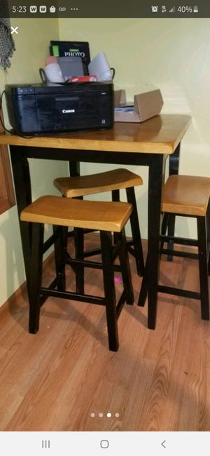 Counter height table and stools for Sale in Northumberland, PA