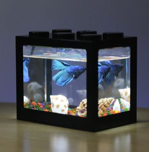 Small fish tank for Sale in Garden Grove, CA