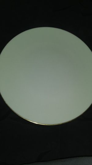 "Lenox Olynpia 10"" dinner plate for Sale in St. Louis, MO"