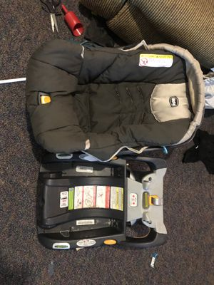 Chicco convertible car seat & base ! Good condition ! for Sale in Montgomery, AL