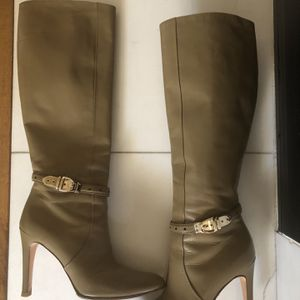 Women Authentic Gucci Knee High Boots Size 7 for Sale in Fullerton, CA