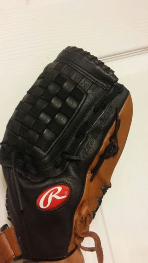 Rawlings 14 inch softball baseball glove for Sale in Atlanta, GA