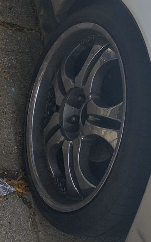 4 Chrome Rims With Tire for Sale in Brooklyn, NY