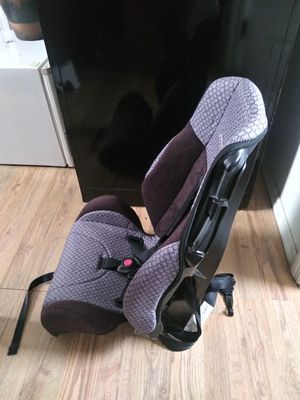 BOOSTER SEAT (COSCO) UNISEX for Sale in St. Louis, MO