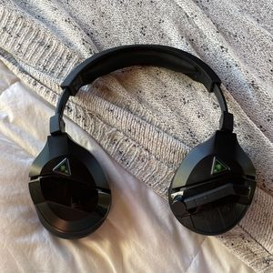 Stealth 700 Xbox One Edition (Green And Black) for Sale in Los Angeles, CA