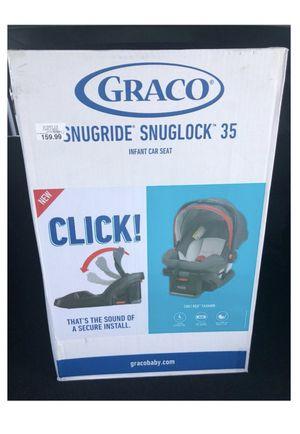 Graco SnugRide SnugLock 35 Infant Car Seat - Chili Red for Sale in Chicago, IL