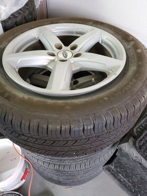 Wheels and tires 2015 Ford explorer for Sale in Apple Valley, CA