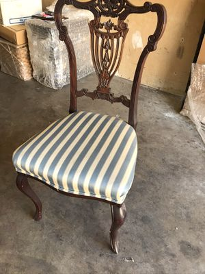 Antique vase chair for Sale in Fountain Valley, CA