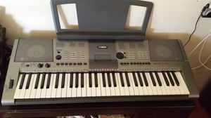 New Yamaha keyboard &electric violine for Sale in Little Ferry, NJ