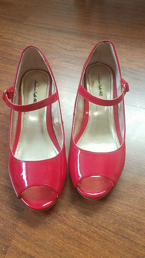 Girls High Heel Shoes Size 2.5 for Sale in New Port Richey, FL