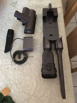 6 Piece V6 Dyson Animal Accesories for Sale in Miami, FL