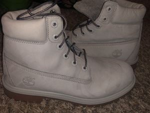 Timberland boots grey 6.5 boys for Sale in Lathrop, CA