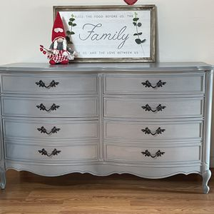 Newly Refinished Dixie Dresser And Nightstand French Provincial Style for Sale in Graham, WA