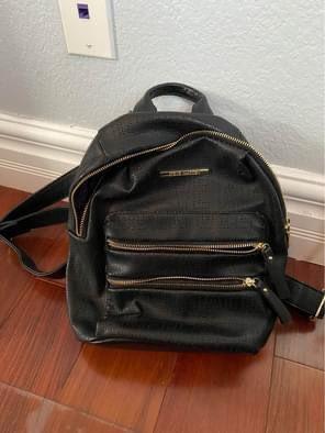 Steve Madden Backpack Purse for Sale in Las Vegas, NV