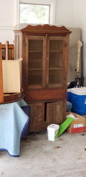 Antique China cabinet for Sale in Columbia, SC