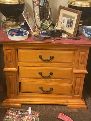 Wooden furniture bedroom set for Sale in Las Vegas, NV