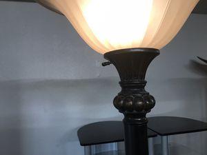 Floor lamp/ lampara de piso for Sale in Arlington, TX