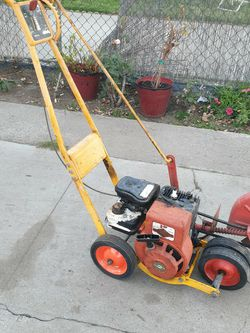 Mclane Edger Trimmer for Sale in Bell Gardens,  CA