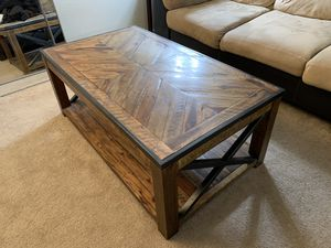 Wood Lift-Up Coffee Table for Sale in Kirkland, WA